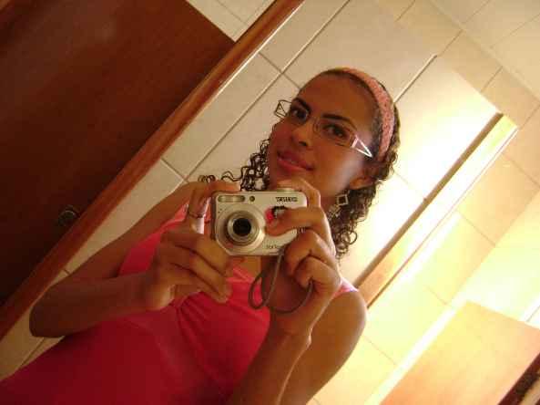 Espelho...mulher nenhuma resiste...aiind amais com uma camera na mão..hihihi