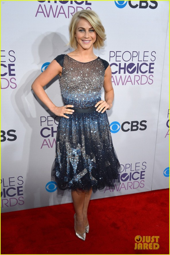 julianne-hough-peoples-choice-2013-01