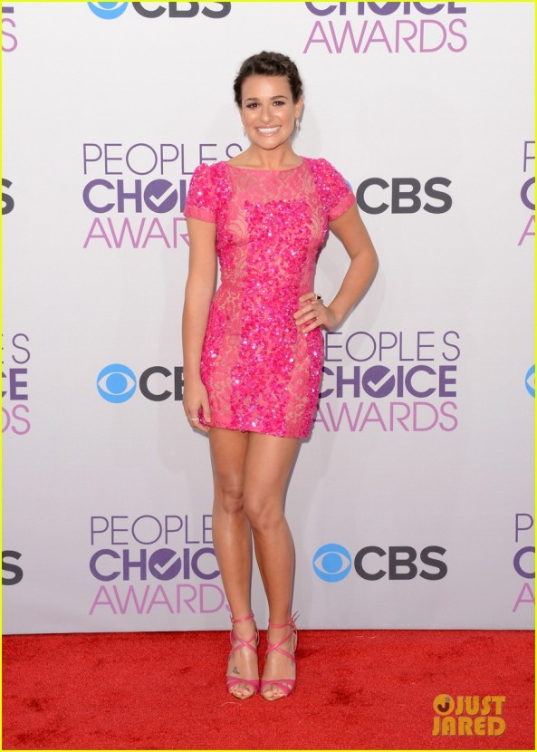 lea-michele-peopels-choice-awards-2013-red-carpet-01