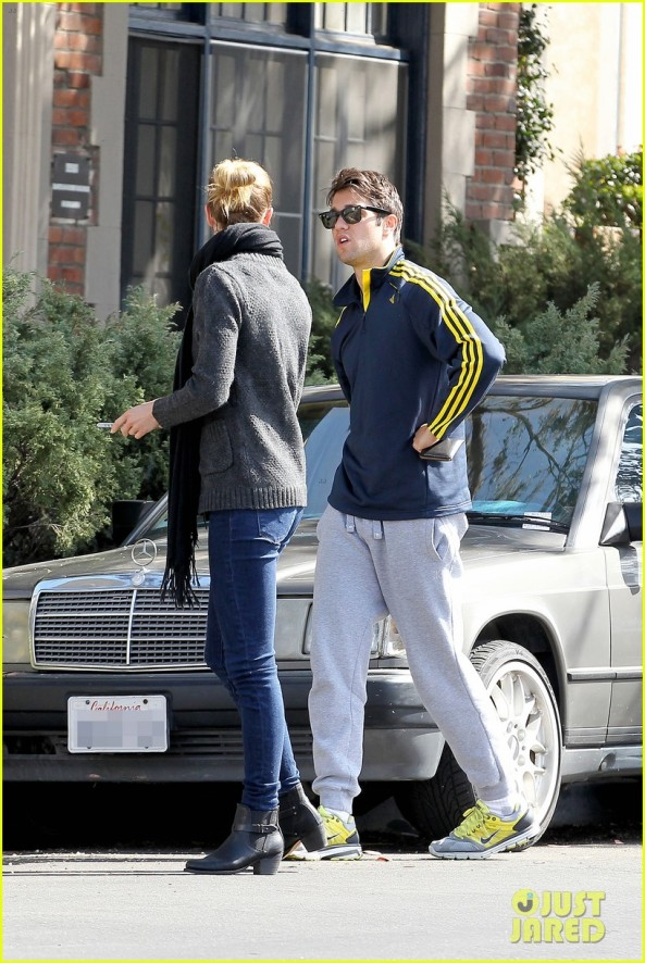 emily-vancamp-josh-bowman-fender-bender-blues-16
