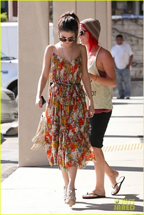 Selena Gomez is Boho Chic in Encino - Part 2