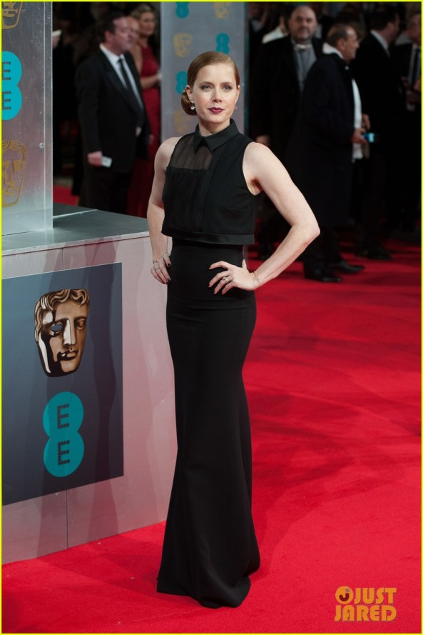 amy-adams-baftas-2014-red-carpet-03