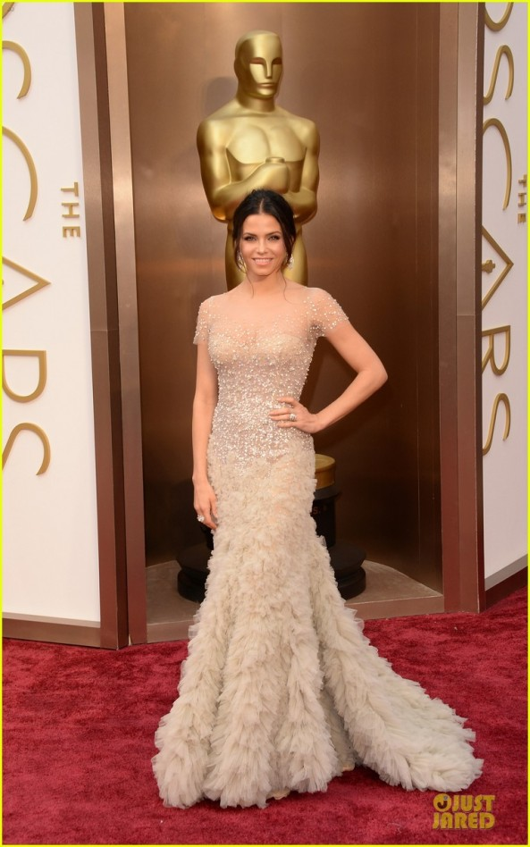 jenna-dewan-nude-fairy-on-oscars-2014-red-carpet-with-channing-tatum-01